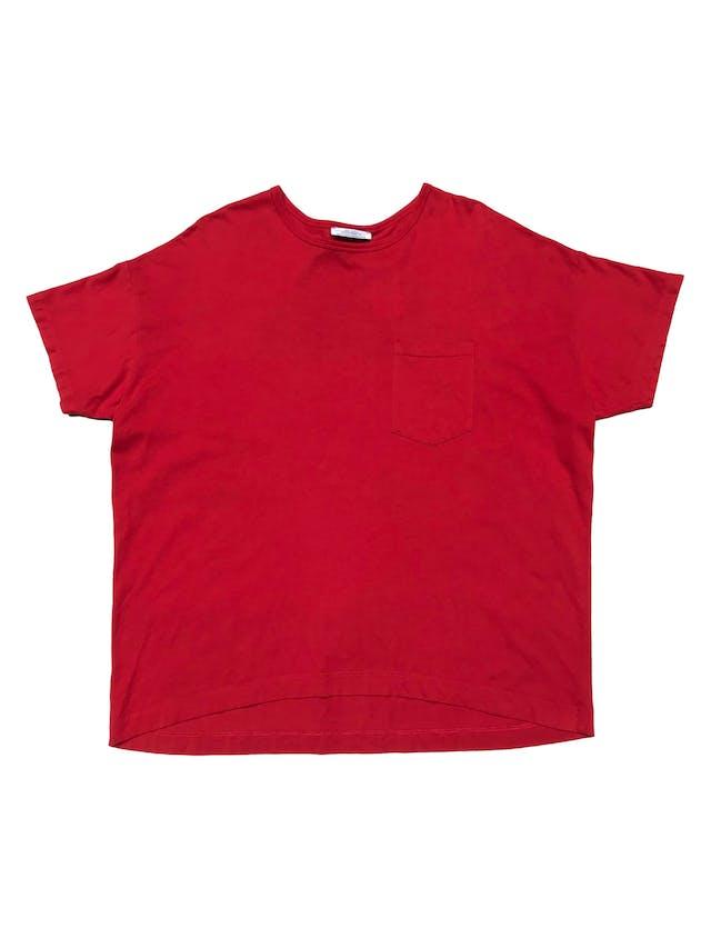 """Polo oversize Zara 100% algodón, con bolsillo delantero y estampado """"Bésame mucho mucho"""" de terciopelo. Ancho 125cm Largo 62cm foto 1"""
