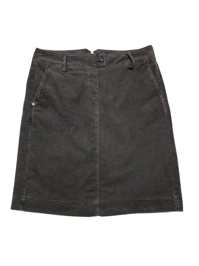 Falda Taifun de corduroy gris con bolsillos laterales, cierre posterior, lleva forro. Pretina 78cm Largo 53cm  foto 1