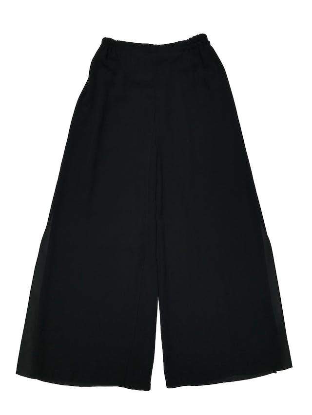 Pantalón Adriana Papell palazzo con capas delanteras y traseras, tela tipo gasa gruesa. tiene pretina elástica. Largo 102cm. Precio original S/ 450 foto 1