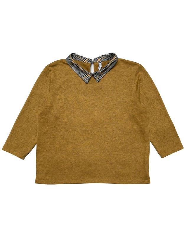 Chompita Sybilla con cuello camisero, tela de punto amarillo jaspeado, manga 3/4. Busto 100cm Largo 52cm foto 1