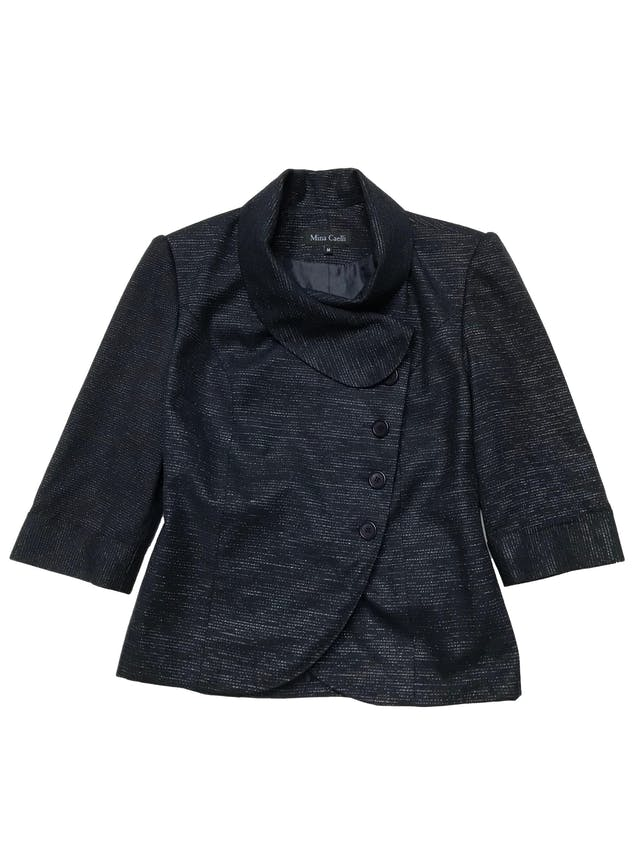 Saco azul con hilos platinados, forrado, mangas 3/4, cierra con cruzado lateral. Busto 98cm Largo 55cm foto 1