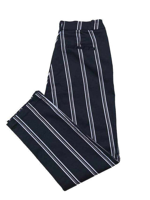 Pantalón azul con franjas blancas 98% algodón ligeramente stretch. Cintura 72cm Largo 90cm  foto 2