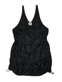 Vestido H&M Studio, tela negra delgada tipo impermeable, basta con reguladores. Busto 98cm Largo 85cm foto 1