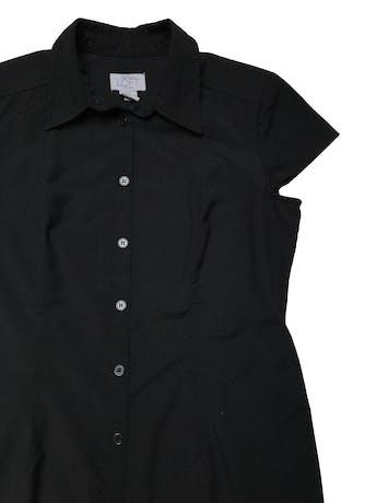 Vestido largo Loft camisero, negro de tela plana tipo camisa, con pinzas delanteras y traseras. Busto 102cm Largo 118cm foto 2