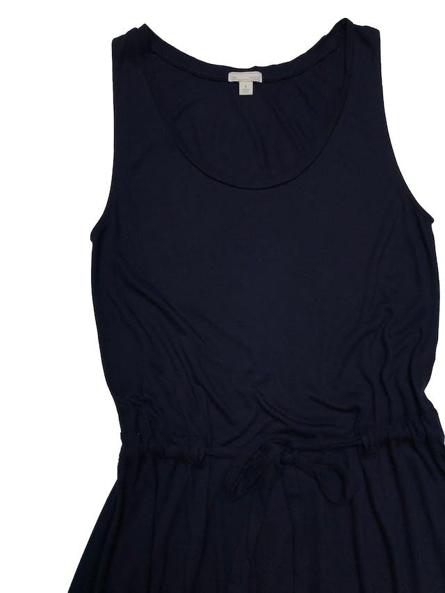 Vestido Gap de rayón azul super rico al tacto, cinto para regular y basta asimétrica. Busto 90cm Largo 100 - 115cm foto 2