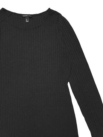 Vestido Mango gris, manga larga, de punto con textura acanalada. Largo 75cm foto 2