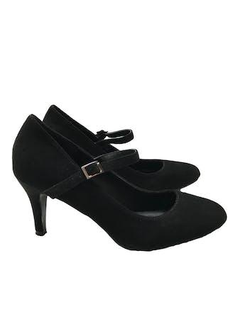 Zapatos Platanitos de textura gamuza, punta redonda y correa en el empeine, taco 7cm. Estado 9/10 foto 1