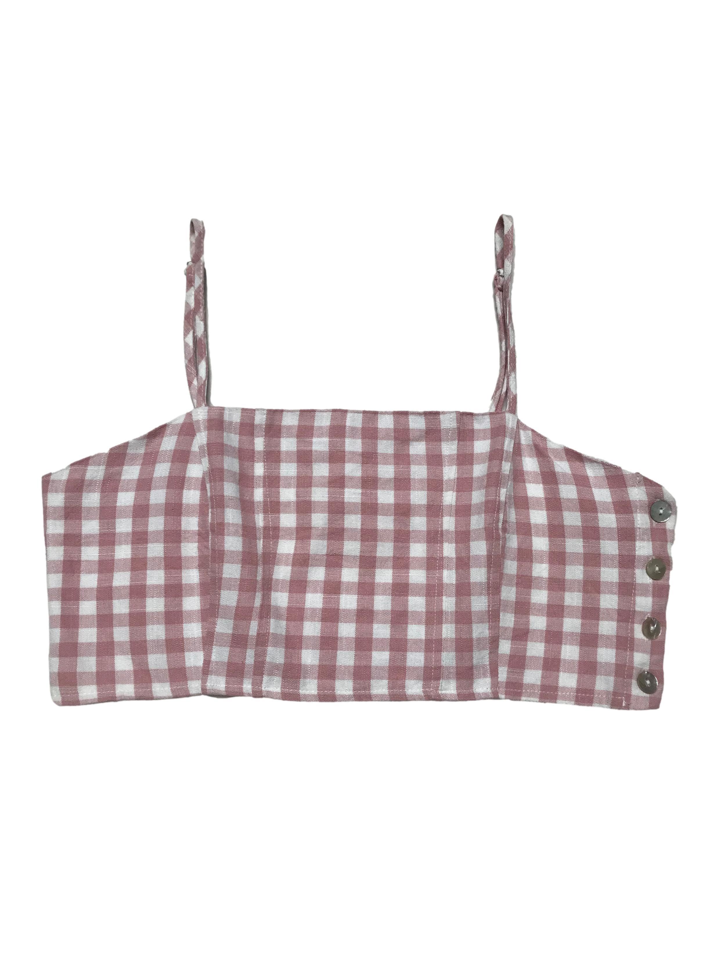 Top Index de vichy rosa y blanco, textur tipo lino con forro interno, cierra con botones nacarados al lado.  Busto 98cm Largo 22cm