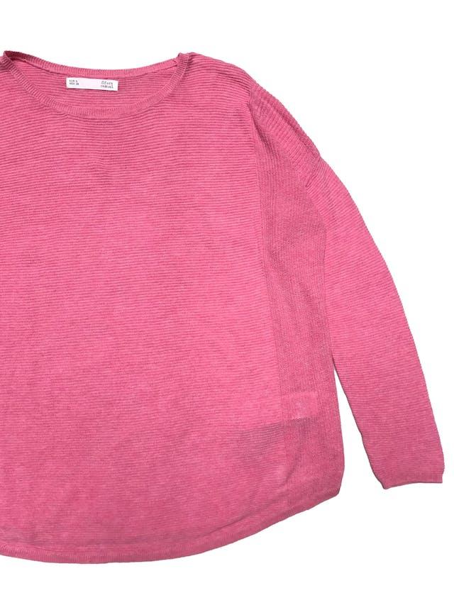 Chompa rosa Sfera, delgada, modelo oversize. Ancho 120cm Largo 55cm foto 2