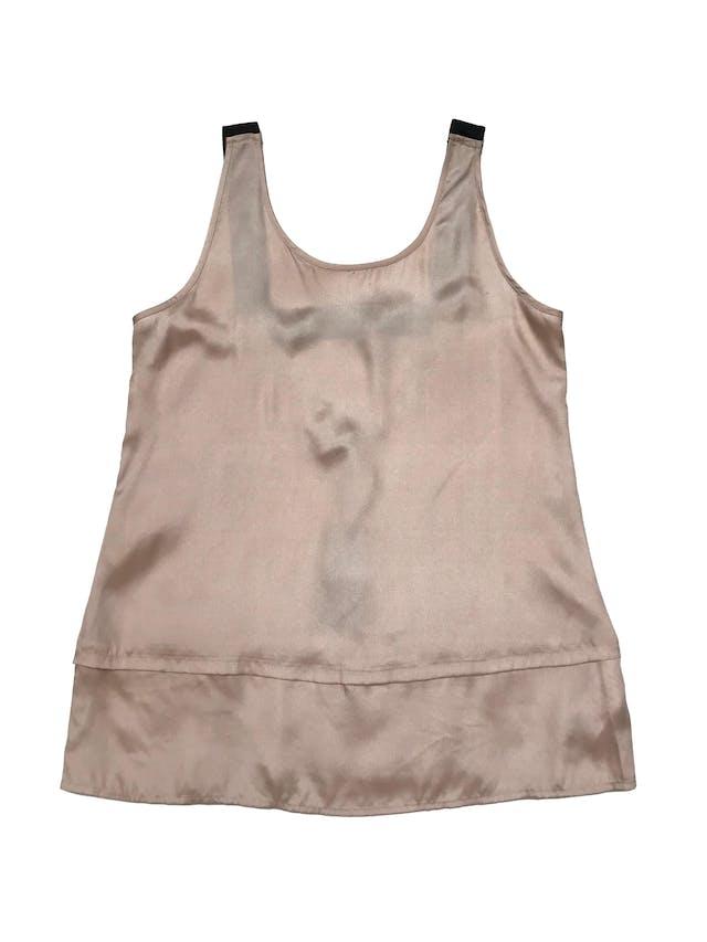 Blusa Basement de tela sedosa palo rosa, tiras gruesas negras en la espalda. Busto 97cm Largo desde sisa 50cm. Nueva con etiqueta foto 1