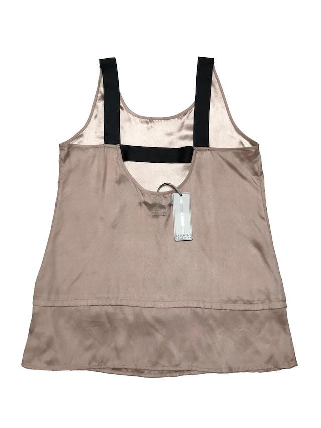 Blusa Basement de tela sedosa palo rosa, tiras gruesas negras en la espalda. Busto 97cm Largo desde sisa 50cm. Nueva con etiqueta foto 2