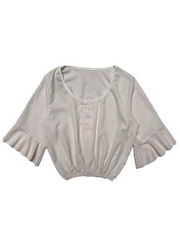 Blusa cuello redondo con mangas 3/4 acampanadas y elástico en basta. Largo 45cm. Busto 95cm. foto 1