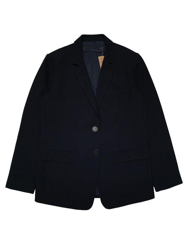 Blazer Zara overzsize corte recto, tela tipo lanilla azul, con solapas, dos botones al centro y bolsillos tapa. Ancho 110cm Largo 70cm. Precio original S/ 279 foto 1