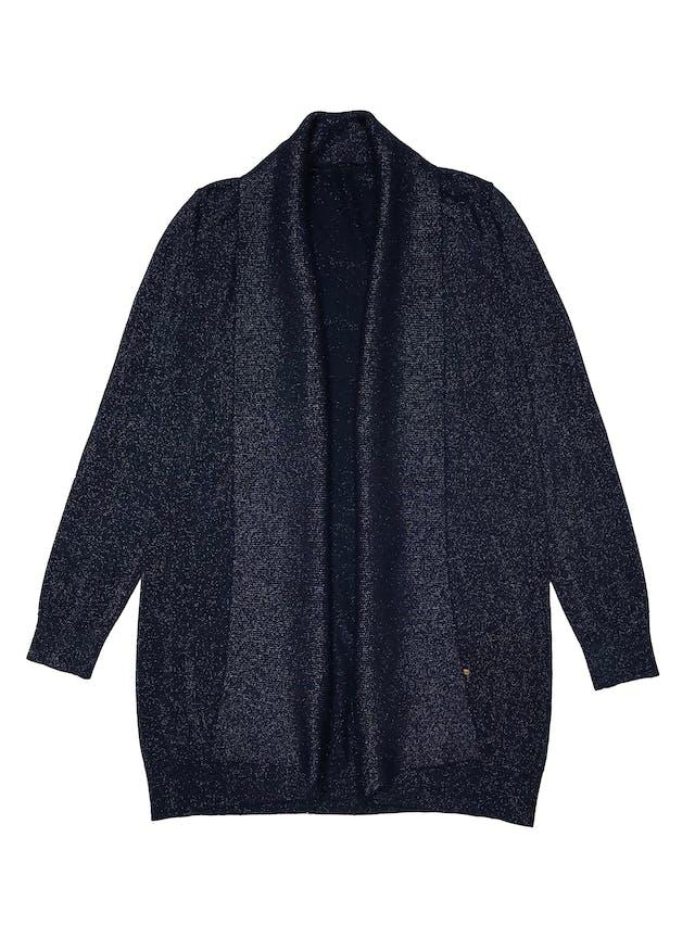 Cardigan tejido fino rico al tacto, en tono azul e hilos brillantes, modelo abierto. Ancho 100cm. Largo 80cm. foto 1