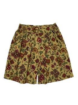 Short Cortefiel vintage 100% algodón, a la cintura con pliegues, botón cierre y bolsillos, pretina con elástico en laterales. Cintura 66cm sin estirar Largo 45cm foto 1