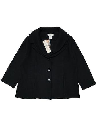 Chaqueta Linda Lucía 100% lana negra, manga 3/4, doble solapa, bolsillos y botones delanteros. Busto 116cm Largo 58cm. Nueva con etiqueta. Precio original S/. 329 foto 1