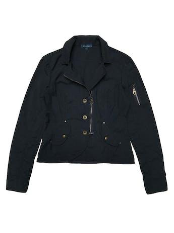 Casaca Scombro de algodón con cierre y botones metálicos, bolsillos con broches. Busto 98 cm. Largo 53 cm.  foto 1