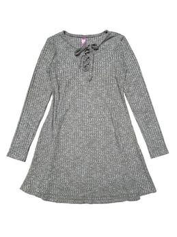 Vestido de punto delgado, plomo jaspeado, manga larga, pasador en el escote y falda con vuelo. Largo 73-78cm foto 1