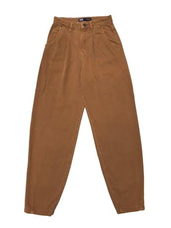Slouchy jean Zara 100% algodón camel, tiro alto, modelo five pockets. Cintura 62cm Cadera 90cm Largo 98cm foto 1
