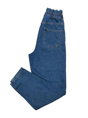 Paper bag jean Zara, tiro alto, bolsillos laterales y posteriores. Cintura 66cm sin estirar Cadera 94cm Largo 100cm foto 2