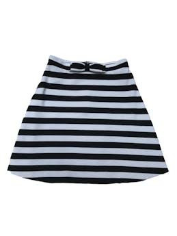 Falda Sirana a rayas blancas y negras, tela tipo algodón grueso, forrada, con cierre posterior y lazo delantero. Cintura 66cm sin estirar Largo 45cm foto 1