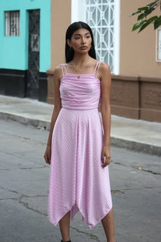 Vestilo estilo años 40 lila con líneas satinadas, cierre lateral, drapeado en el pecho, basta asimétrica Talla S foto 1