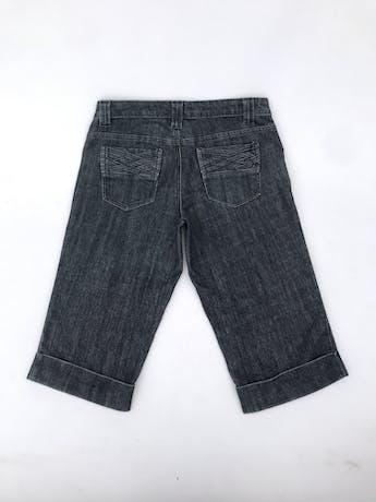 Capri denim gris oscuro con textura trenzada en bolsilllos Talla 28 foto 2