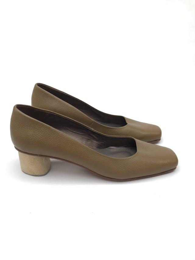 Zapatos Rachel Comey taco 5cm de madera. Estado 8/10. Precio original S/ 900 foto 1