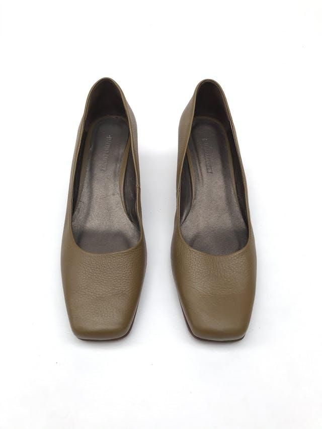 Zapatos Rachel Comey taco 5cm de madera. Estado 8/10. Precio original S/ 900 foto 2