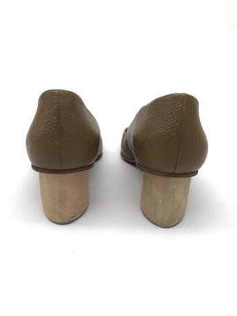 Zapatos Rachel Comey taco 5cm de madera. Estado 8/10. Precio original S/ 900 foto 3
