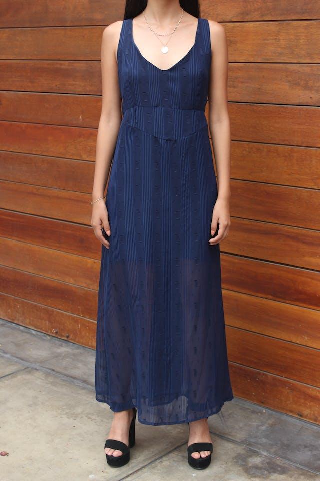 Vestido de gasa azul con texturas, forro sobre la rodilla, corte debajo del busto y cierre en la espalda Talla M foto 3