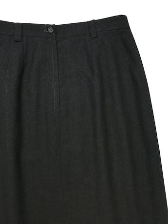 Falda vintage midi, sastre gris con abertura delantera, tiene forro, cierre y botón posteriores. Cintura 78cm Largo 80cm  foto 3