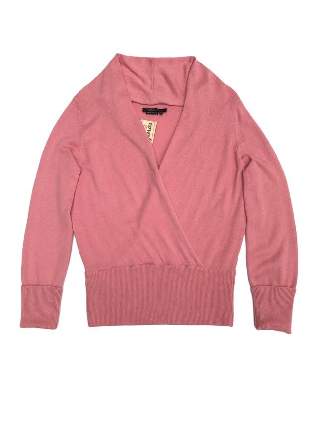 Chompa BCBGMaxAzria rosada, 55% seda 45% cashemere, cruzado delantero con doblez en el cuello. Precio original S/ 500 foto 1